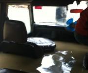 Hoher Wasserstand im Auto
