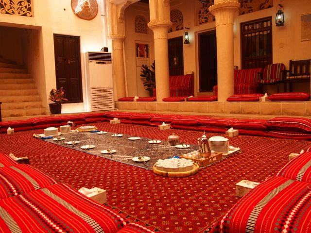 Kulturelles Lunch im SMCCU in Dubai