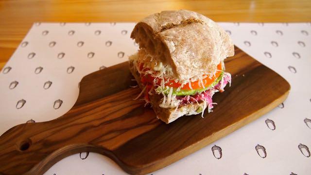 Vegetarisches Sandwich bei Pigmeu