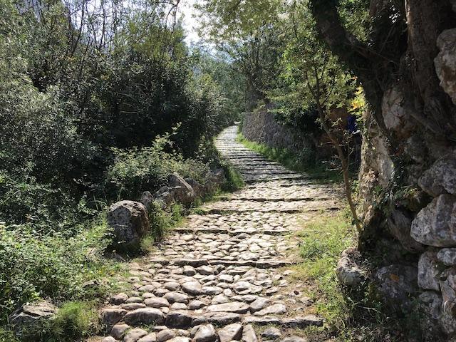 Steintreppen nach Tossal Verds
